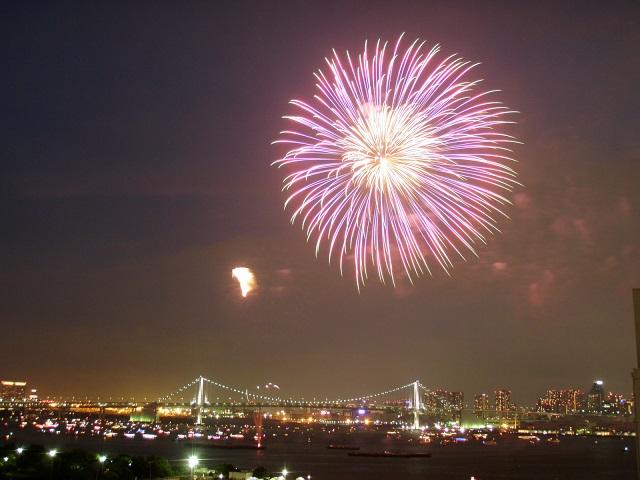 東京湾の花火大会は最後