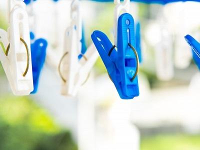 プラスチックの物干しや洗濯ばさみがワキガの臭い